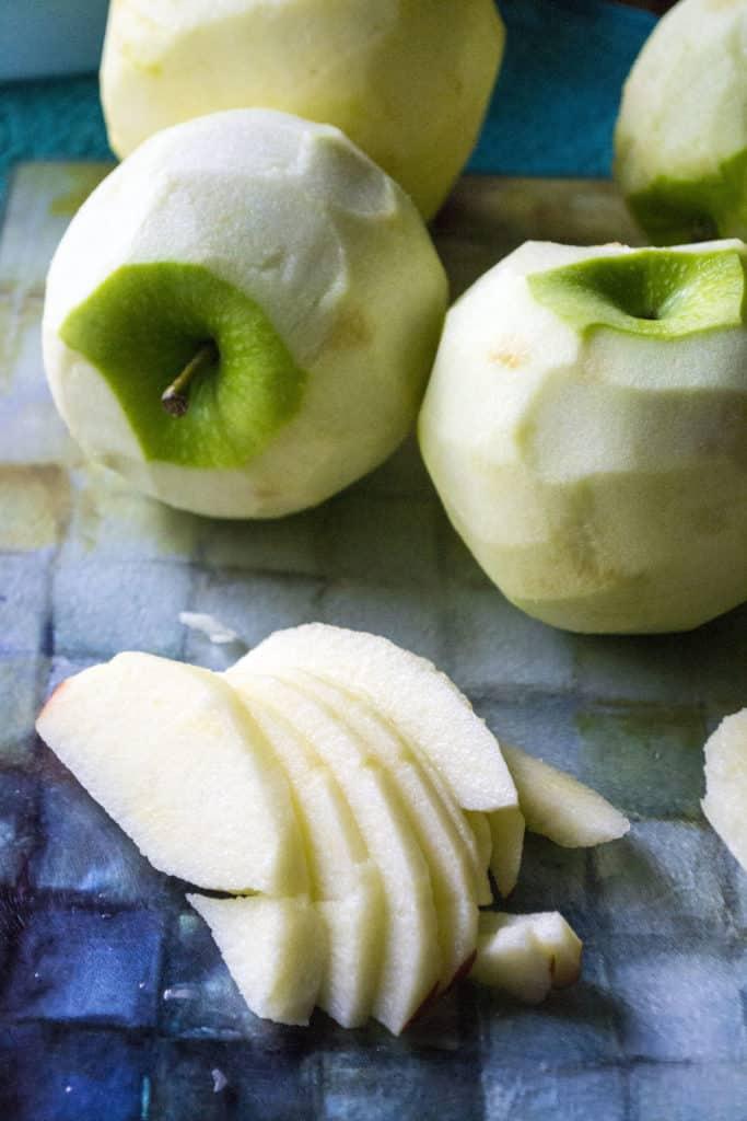 Apple Walnut Pie apples