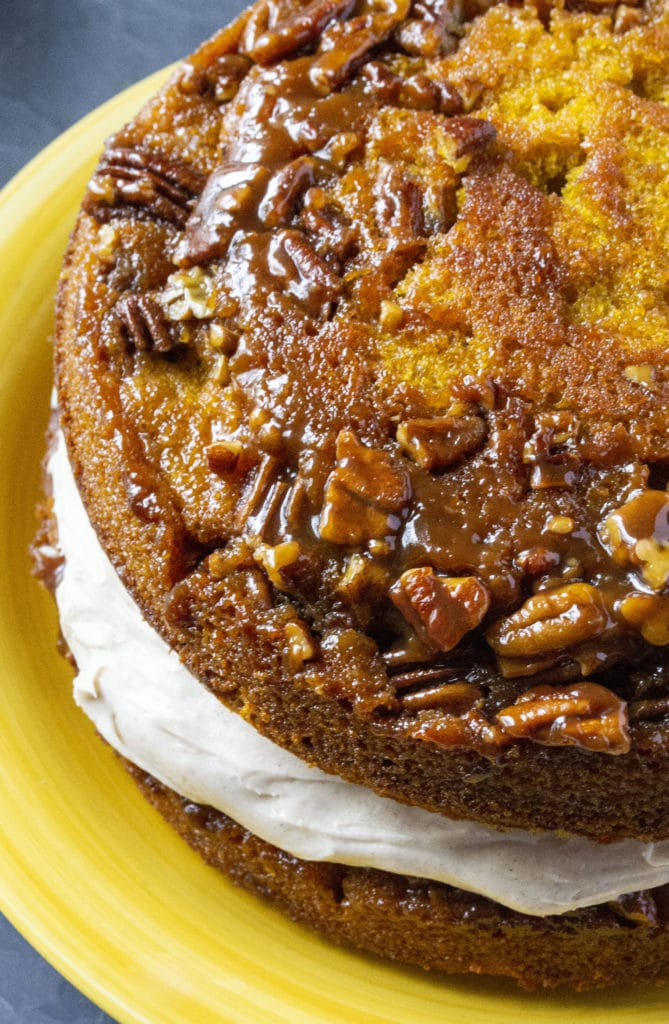 frosting pumpkin cake