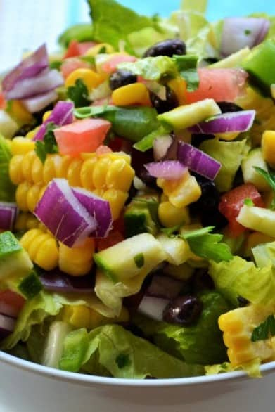 Farmers Market Vegetable Salad | Farmers Market Vegetable Salad is a simple healthy vegetable salad that's fun, delicious and too pretty not to enjoy. The perfect healthy choice to brighten any meal. | Pack Momma | https://www.awickedwhisk.com