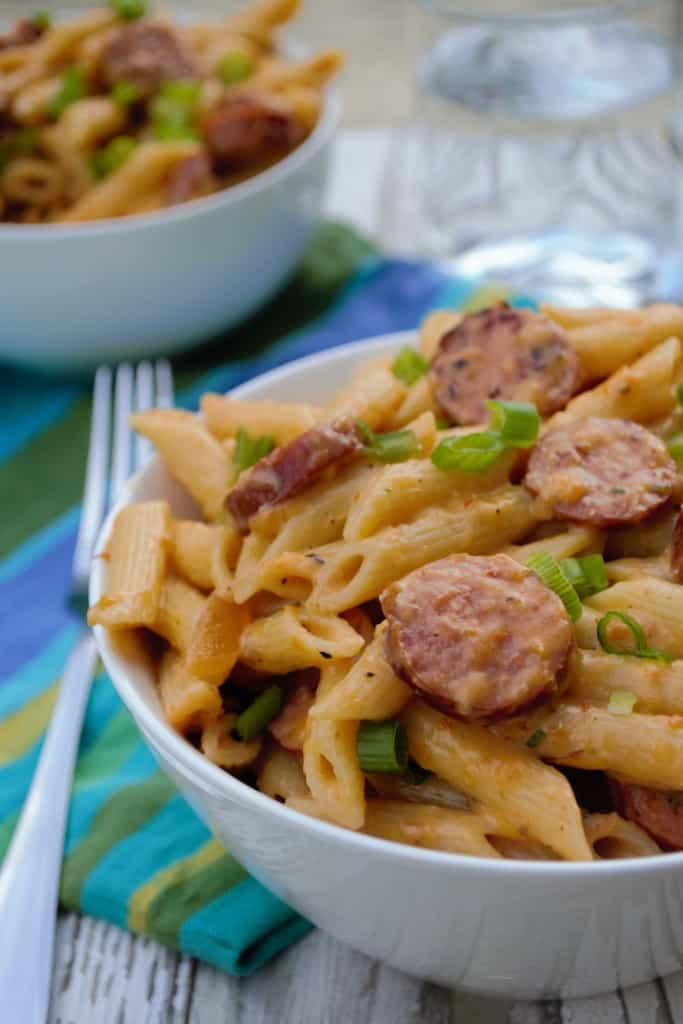 Spicy One Pot Pasta Dinner   This Spicy One Pot Pasta Dinner is quick, easy and delicious. The perfect meal for busy week nights.   Pack Momma   https://www.awickedwhisk.com