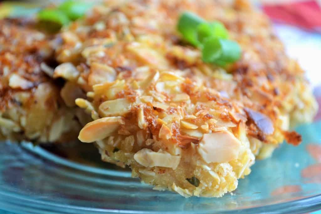 Baked Almond Chicken | Baked Almond Chicken is the perfect weeknight meal for a busy life. Crunchy, moist and spicy - this will be your family's new favorite dinner! | Pack Momma | https://www.awickedwhisk.com