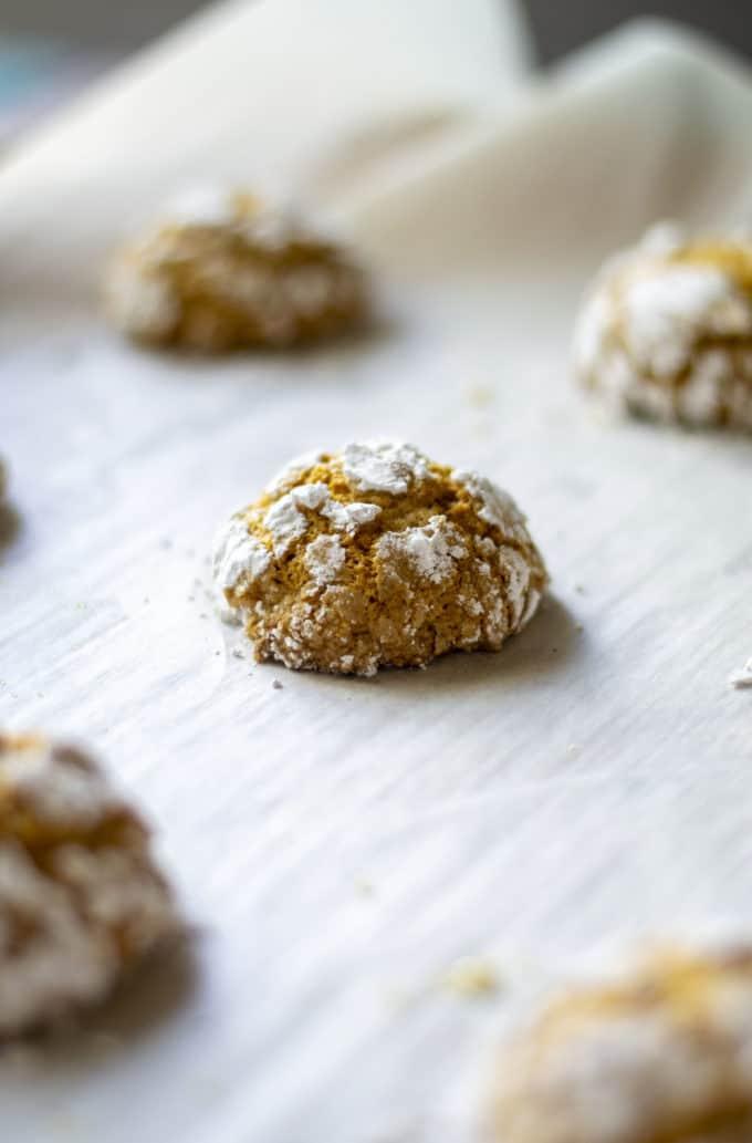 pumpkin crinkle cookies baked