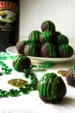 Baileys Truffles | Baileys Truffles are rich, decadent, indulgent and addictive! These are the perfect sweet chocolate treat to add to any St.Patrick's Day celebration. | Pack Momma | https://www.awickedwhisk.com