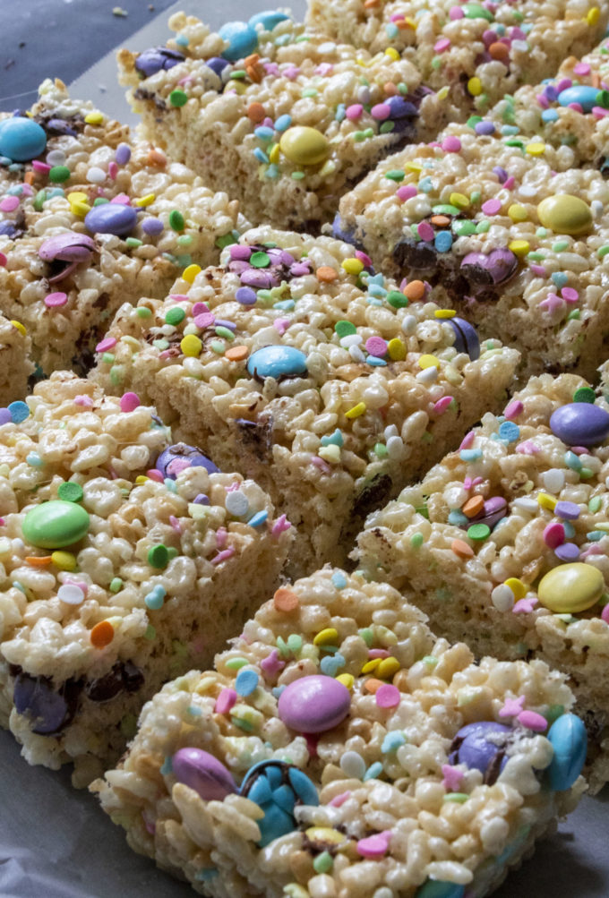 rice krispie easter treats cut into squares