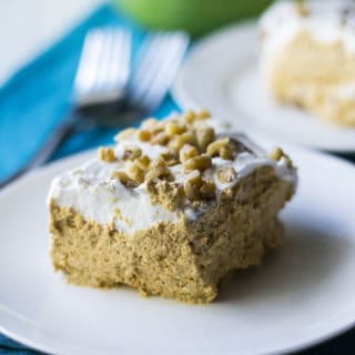 No Bake Pumpkin Mousse Pie | No Bake Pumpkin Mousse Pie is an easy creamy no bake pumpkin dessert that is ready in just two hours. Perfect for last minute invites and potluck parties! | Pack Momma | https://www.awickedwhisk.com