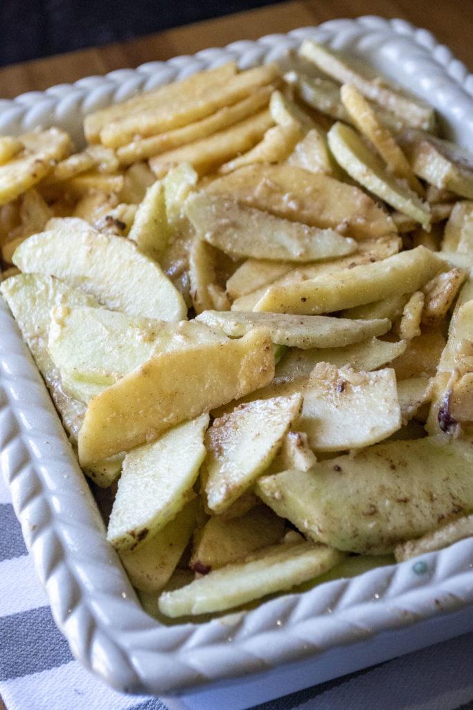 apple filing in a pan