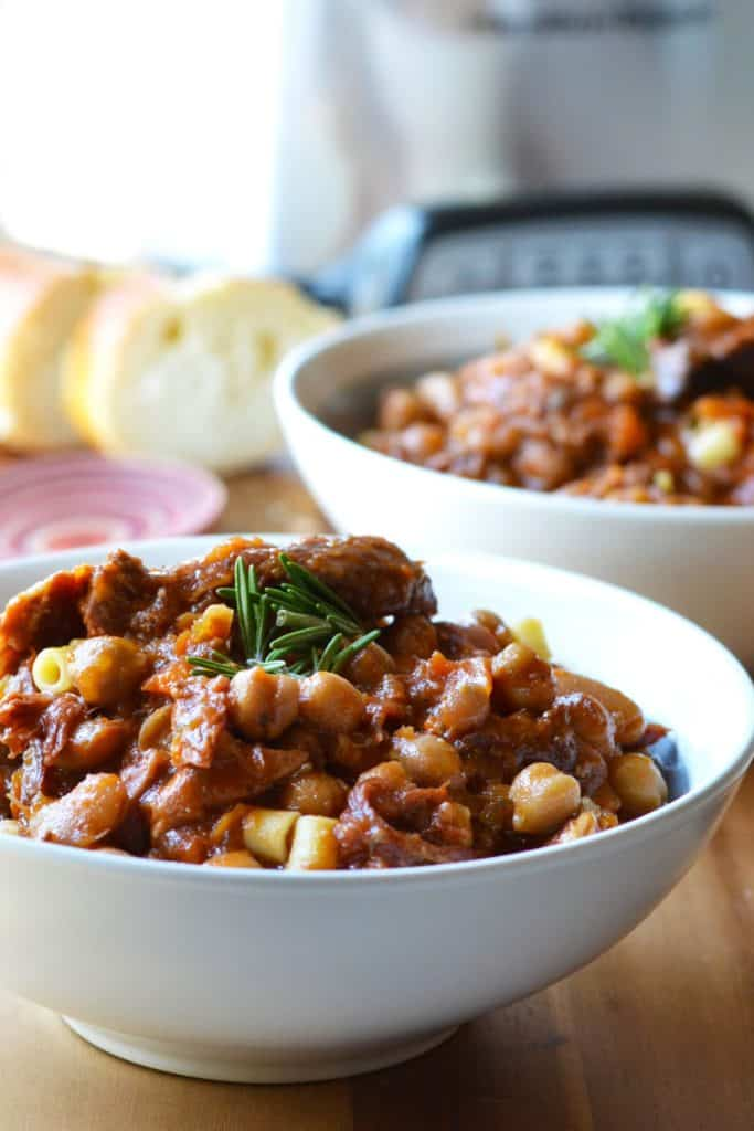 Slow Cooker Pasta e Fagioli in serving bowls