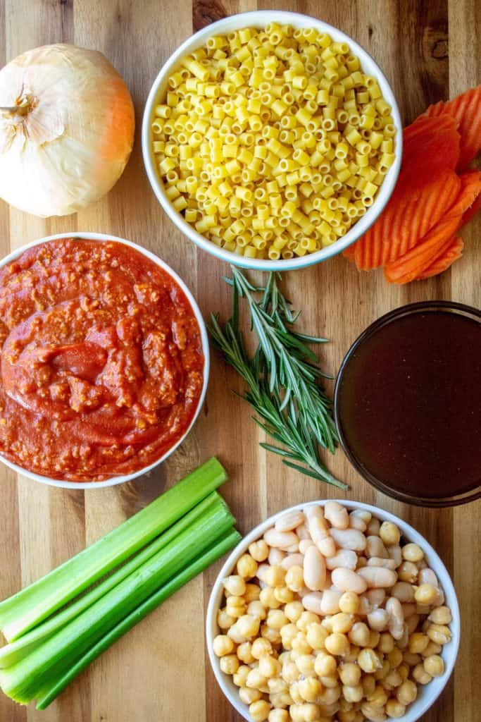 Slow Cooker Pasta e Fagioli ingredients