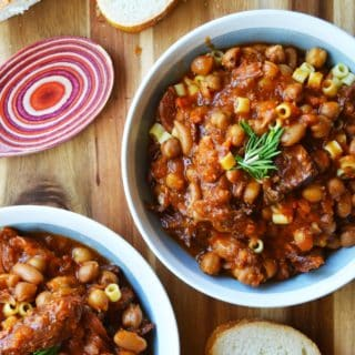 Slow Cooker Pasta e Fagioli in a bowl