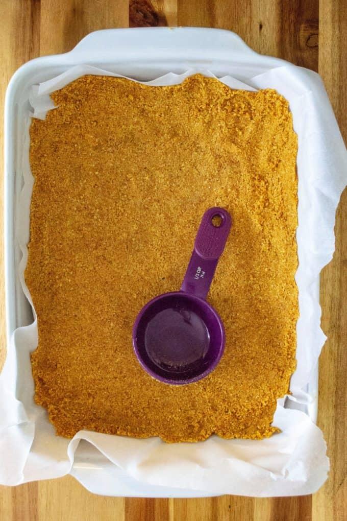 Valentine's Day Cheesecake Bars crust
