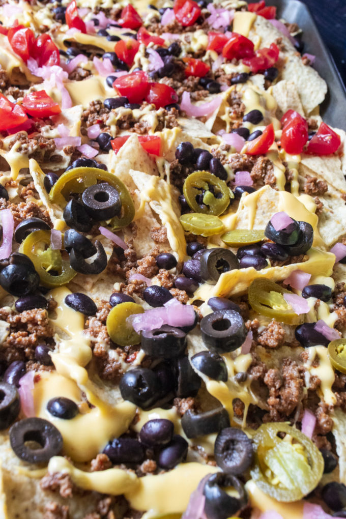beef nachos with toppings